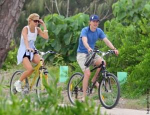 Кейт Хадсон и Оуэн Уилсон на велосипеде