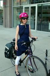Девушка и велосипед