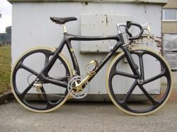 Redonkulous Colnago C35 24K gold Ferrari bike!