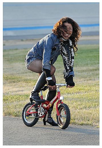 Велосипед, велосипедик и велосипедистка