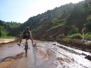 Велосипед и болото в Карпатах
