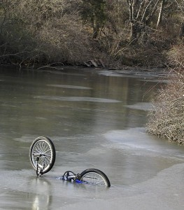 Утонувший велосипед для туризма