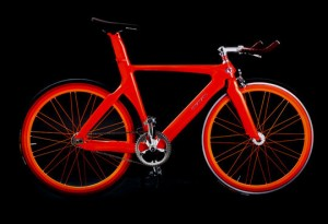 Ярко красный сексуальный велосипед