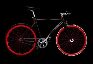 Черно красный сексуальный велосипед
