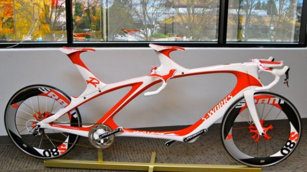 http://alkatrion.com/wp-content/uploads/2010/07/specialized-carbon-tandem0.jpg