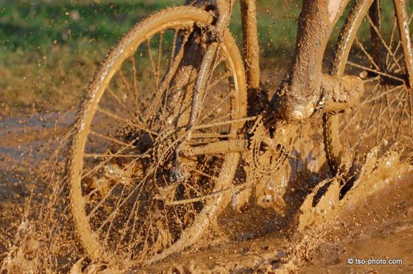 Велосипед в грязи