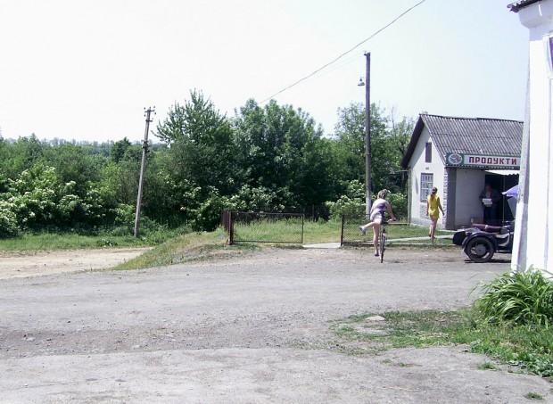 В Воробиевке ездят на велосипедах