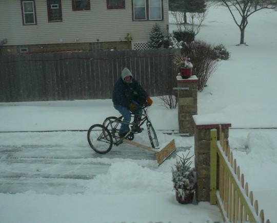 Снегоуборочный велосипед snow bike
