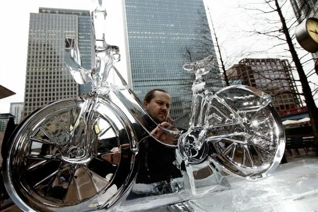 Велосипед из льда ice bike