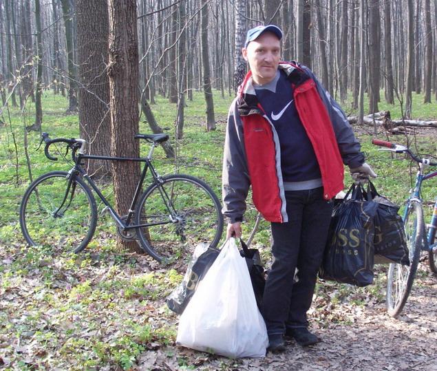 Экологичный велосипедный субботник. Уборка в лесу