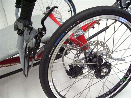 Веломобиль LoGo передние колеса головастика