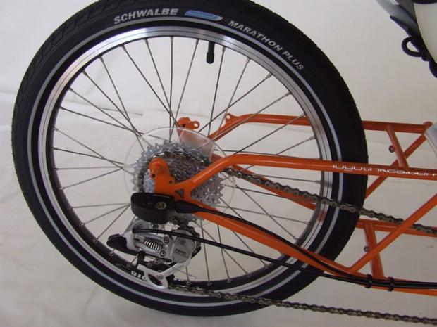 Веломобиль LoGo вид на заднее колесо