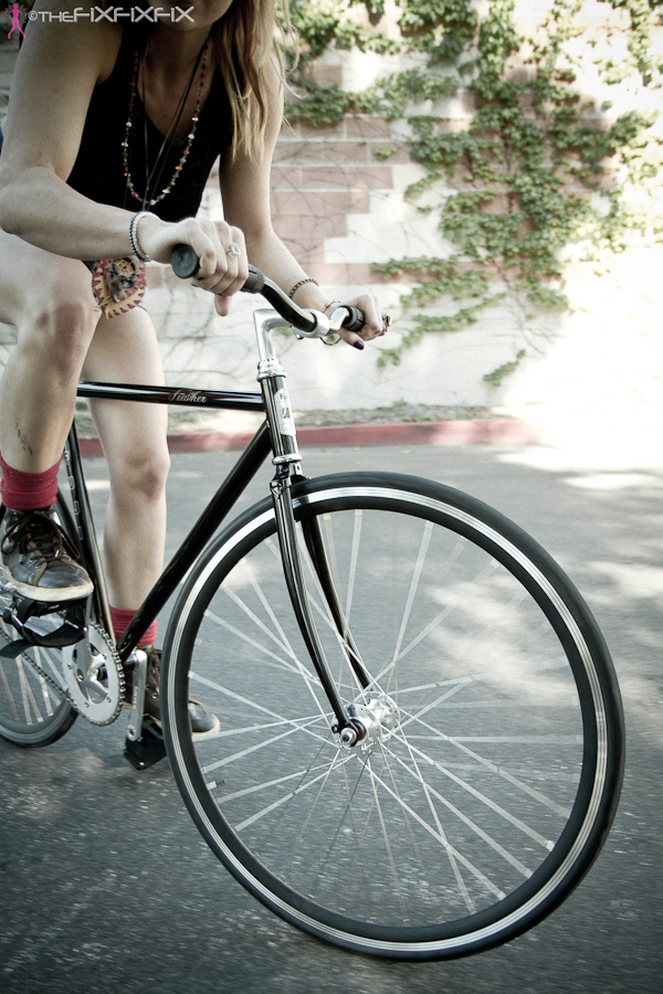 девушка Alex и велосипед Fuji Elios 2