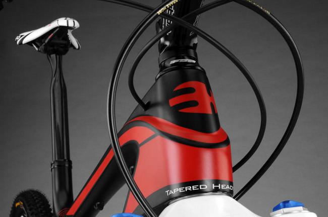 Велосипедная технология Split Pivot с новой карбоновой рамой Lynx от BH