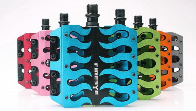 Цветные велосипедные педали color pedals