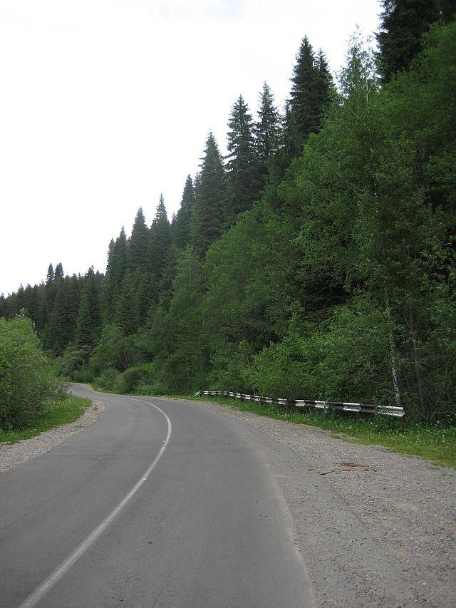 окрестности Алма-Аты горная дорога