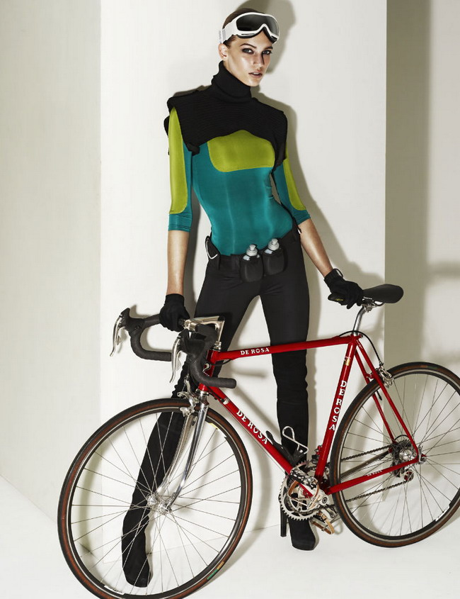 Девушка и велосипед bike-and-girl