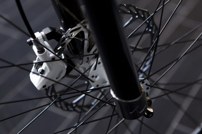 Электровелосипед от Bosch, NuVinci и Gates передняя вилка