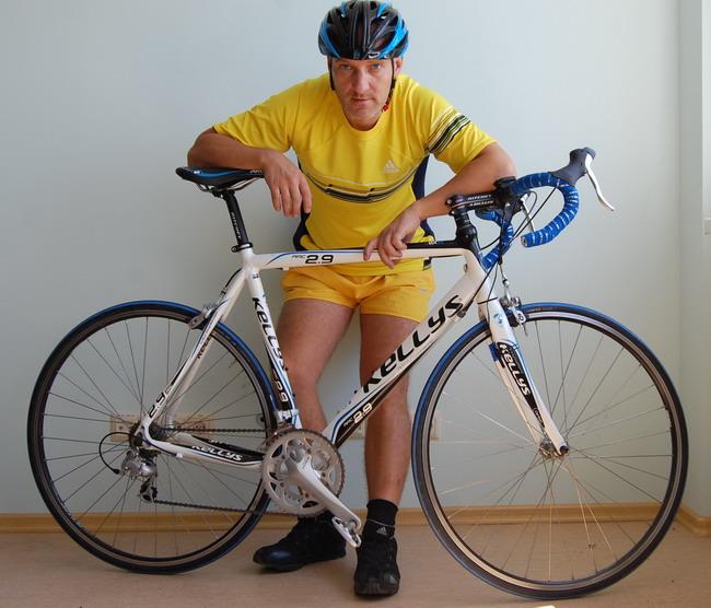 велосипедный шлем Kelly's Roket и велосипед