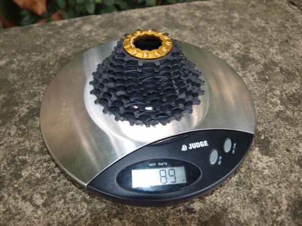 Самая легкая кассета Ceradure на весах