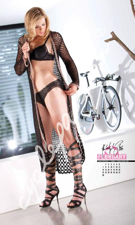 календарь Cyclepassion 2011 жаркие девушки и велосипеды