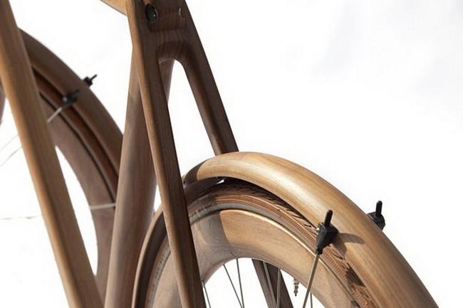 Еще деревянный велосипед. От Яна Ганневега