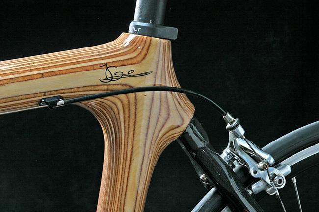 деревяный шоссейный велосипед