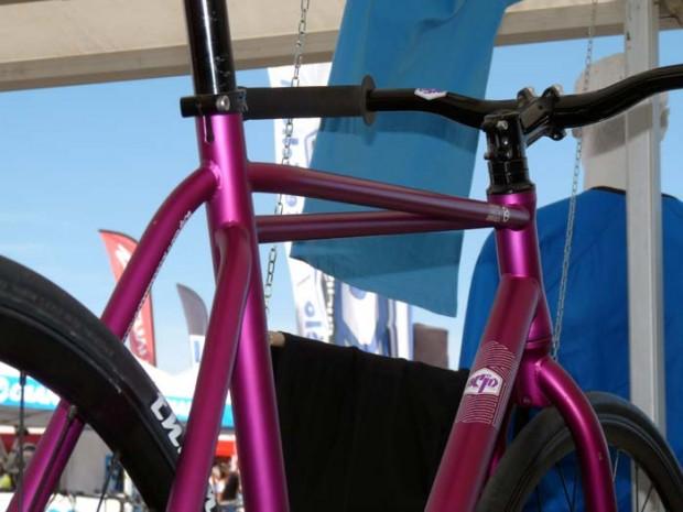 Велосипед с неправильной рамой