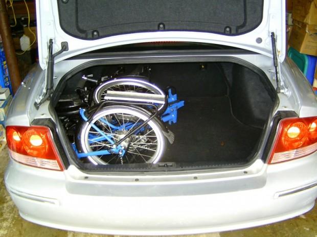 Австралийский лигерад Evolve сложенный в багажник
