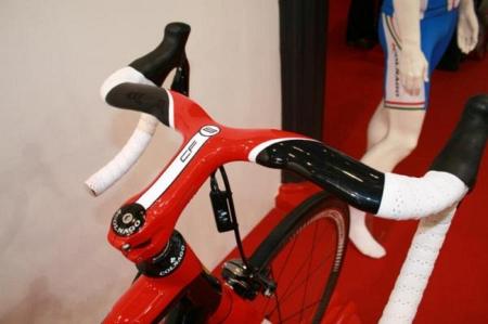 Велосипед Ferrari CF8 интегрированный руль