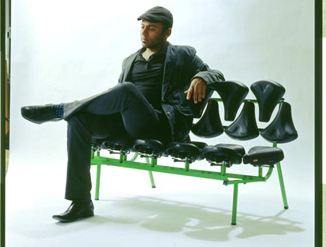 Скамейка из велосипедных седушек