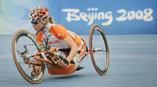 http://alkatrion.com/wp-content/uploads/2011/12/dutch-bike-monic-620x347.jpg