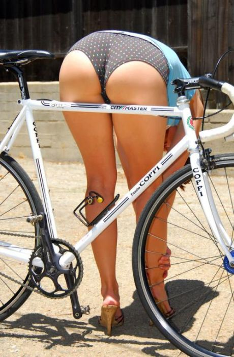 велосипед и попка