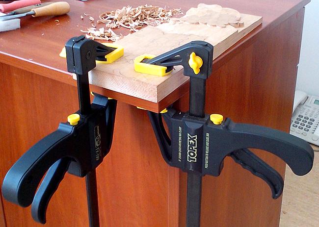 Резьба по дереву, инструменты, струбцина