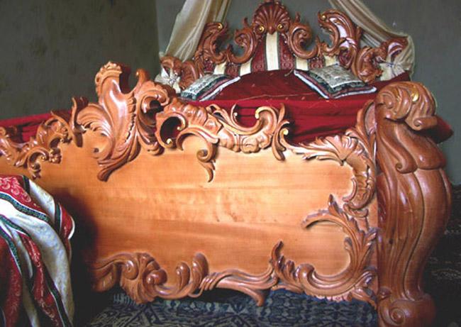 Резьба по дереву. Кровать, барокко