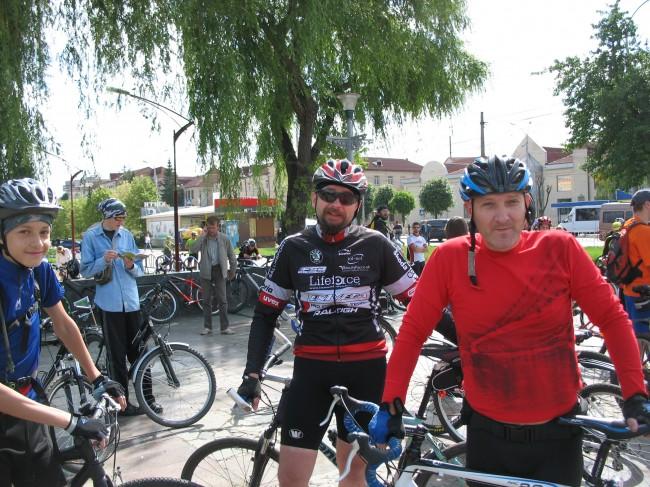велосипедисты Андрей, Андрей Байдюк и Вова