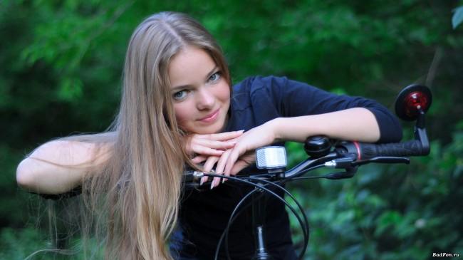 Велосипедные обои на рабочий стол девушка
