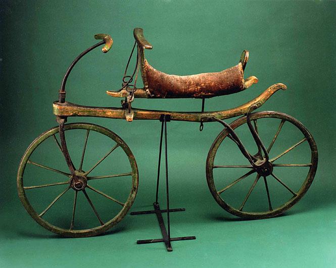 Draisine (1818) один из перевых велосипедов