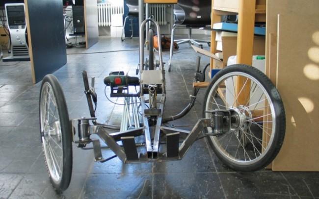 трехколесный велосипед для взрослых. в аллюминие