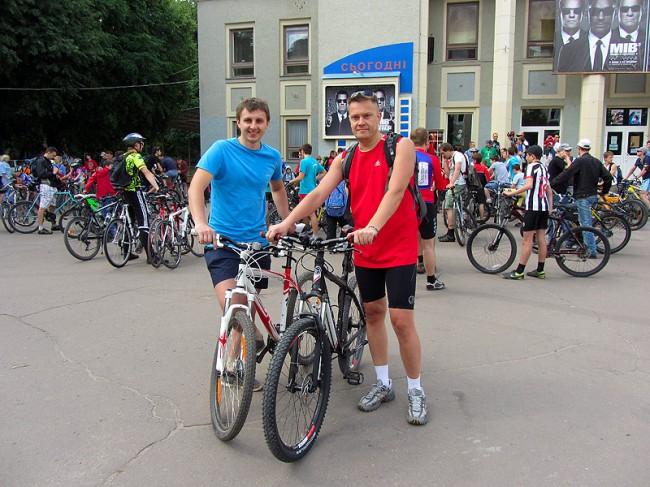 Всеукраинский велодень 2012. Khmelnitsky on air.