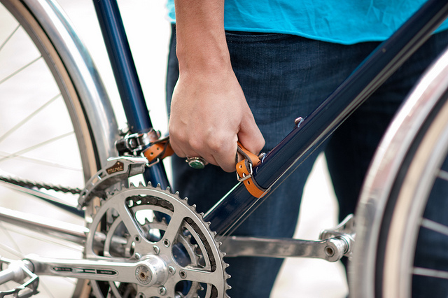 Ручка для переноски велосипеда из кожи лесного барана