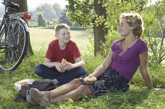 Голая женщина и мальчик фильм фото 288-603