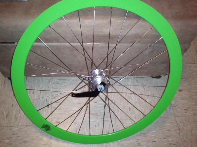 самостоятельно собранное колесо велосипеда