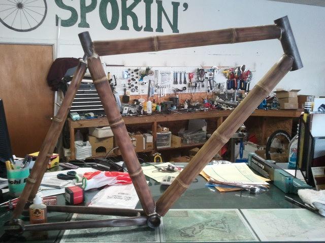 склейка бабмуковой рамы велосипеда