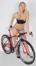 stradalli_napoli_sram_red_50-85mm_carbon_deep_dish_wheels_lingerie_model