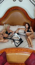 stradalli_phantom_tt-717_time_trial_carbon_bike_hot_lingere_girls_bed