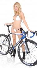 stradalli_trebisacce_sl1_carbon_bike_bikini_girl_valeria_orsini