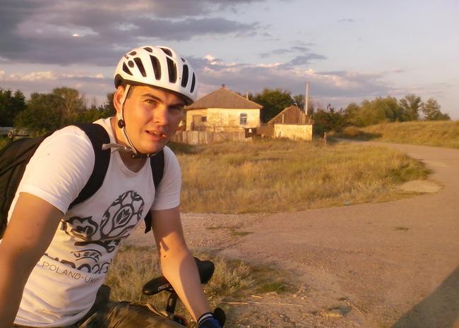 Велосипедист Коля из Луганска