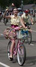 картинки девушка на велосипеде