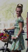 девушки на велосипеде онлайн